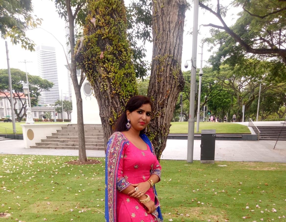Indian Transfer Maid - : REKHA