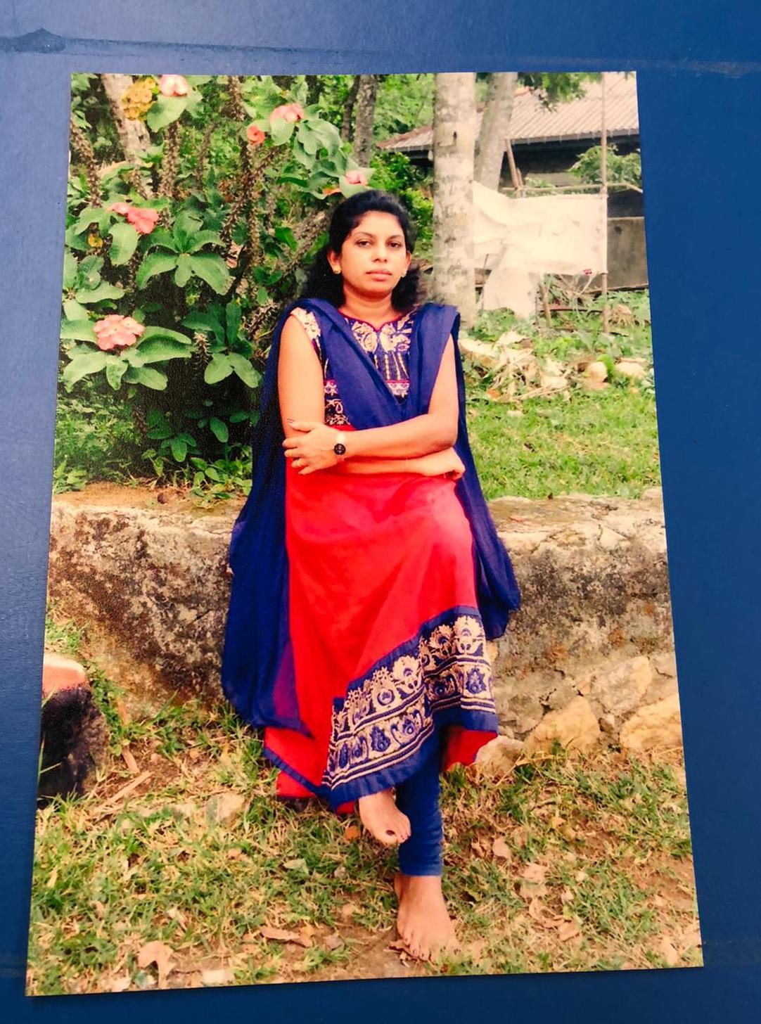 Sri Lankan Fresh Maid - ROSEMEIRI KATHAMARIYAL